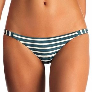 ❀ NWT Vitamin A Carmen Bottom ❀
